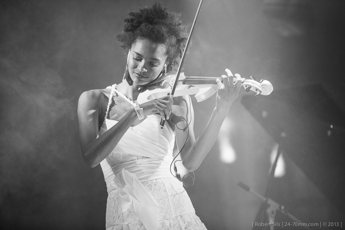 2013-03-30-CoyoteFly-electric-violin-trio-violina-0003